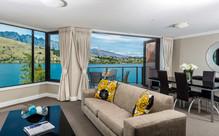 Queenstown Getaway with Lake Views