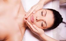 Relaxing Rejuvenating Facial incl. Brow Shape