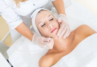 Microdermabrasion Luxurious Facial with Eyebrow Tidy