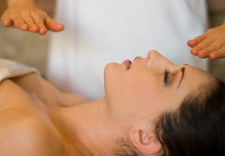 One-Hour Reiki Treatment for One Person incl. Consultation - Option for One-Hour Chakra Balancing Treatment incl. Consultation