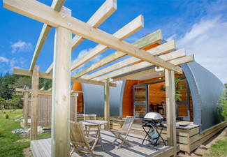 Spring Two-Night Stay for Two People in an Ensuite Villa at Hot Water Beach - Valid Sunday to Thursday