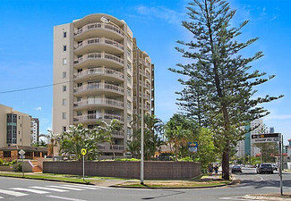 Per-Person, Quad-Share Surfers Paradise Break for Five-Nights with a Two Bed Apartment incl. Drink on Arrival & Spa Access - Option for Seven Nights & Twin Share One Bed Available