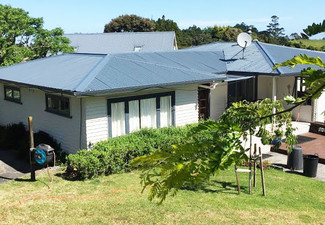 Full Iron Roof Paint incl. a Waterblast, Two Top Coats & a Moss/Mould Treatment - Options for up to 180m² House
