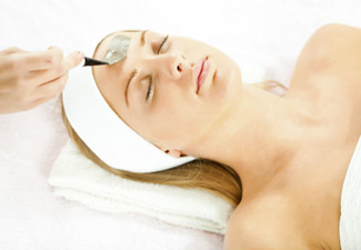 120-Minute CR Revive Spa Ritual Pamper Package incl. Spa Therapy, Full Body Massage & Intensive Anti-Ageing Treatment