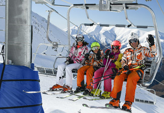 First Timer Learn to Ski or Snowboard Package incl. Equipment, Beginners Lift Pass & Group Lesson - Option for Youth or Adult Pass - 24-Hour Only Flashsale