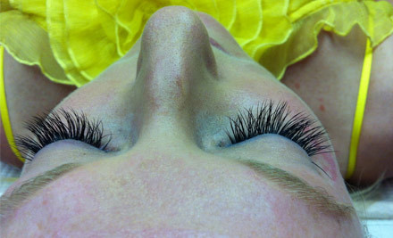 $39 for a Full Set of Classic Eyelash Extensions (value $39)