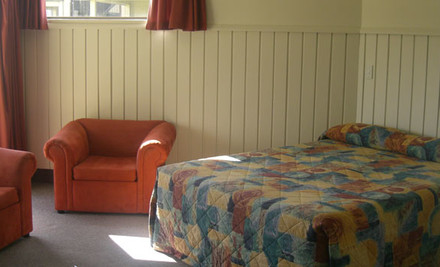 $165 for Two Nights for Two in a Queen/Single Studio incl. Breakfast, WiFi & Late Checkout (value $368)