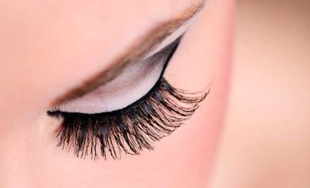 $39 for a Full Set of Eyelash Extensions & Collagen Eye Treatment (value $120)