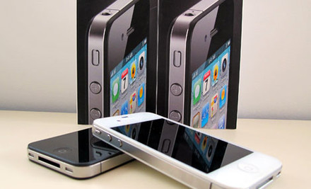 $649 for a Fully Unlocked Factory Refurbished 32GB iPhone 4 incl. Screen Protector, Case, Car Charger & One-Year Warranty
