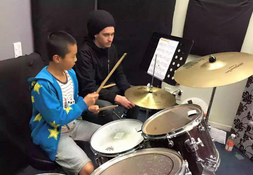 10 Weekly Beginner Group Drum Lessons incl. Registration & Score Bag - Three Auckland Locations