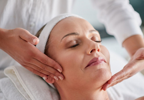 Microdermabrasion Facial - Option for a Skin Juice Face Peel & to incl. LED Treatment