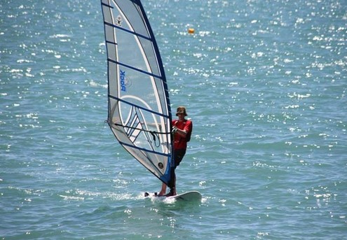 90-Minute Windsurfing Taster Lesson for One Person