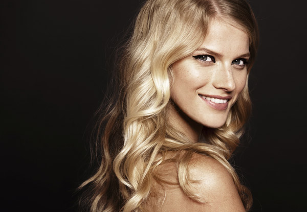 Style Cut & Blow Wave for One Person - Options to incl. Half Head of Foils or Full Head of Foils