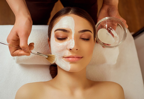 Deep Cleansing Facial incl. Steam & Mask - Option for Deluxe Facial incl. Neck & Shoulder Massage