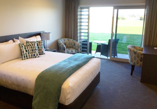One-Night Waterfront Stay in Napier for Two People - Options for Two or Three Nights
