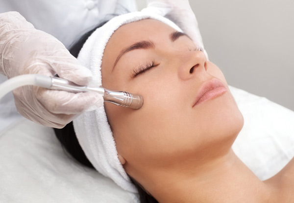 30-Minute Hydrodermabrasion Session for One Person incl. Cleanse & Exfoliation - Option for up to Three Sessions