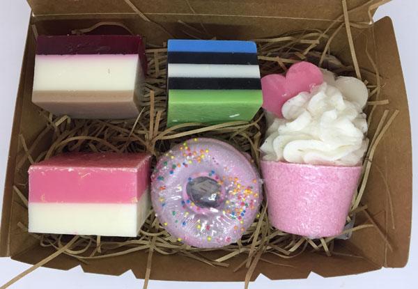a19b42c41 New Zealand Handmade Treat Soap & Bath Bomb Gift Set
