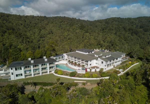 One-Night Boutique Waitakere Ranges Escape at Heritage Waitakere Estate for Two incl. Cooked Breakfast & Late Checkout - Option for a Six-Course Degustation Package