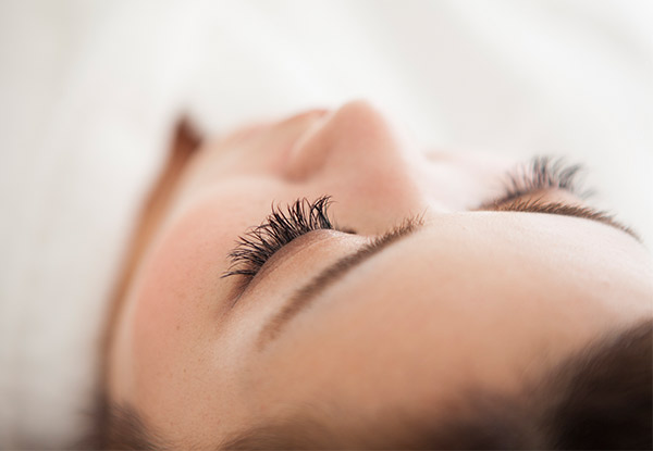 Full-Set of Classic Eyelash Extensions for One Person