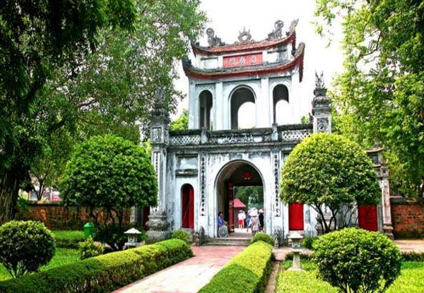 Per-Person, Twin-Share, Five-Day North Vietnam Tour from Hanoi to Halong Bay incl. Meals, Accommodation, Airport Transfers & More - Options for Three- or Four-Star Accommodation