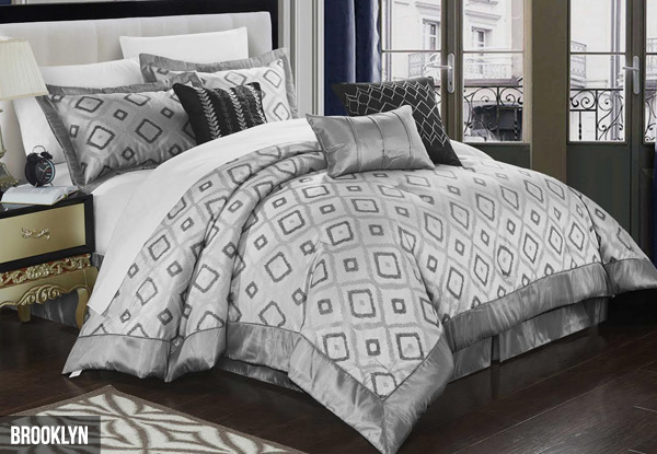 Luxury Jacquard Seven-Piece Comforter Set - Option for Queen, King, or Super King Size