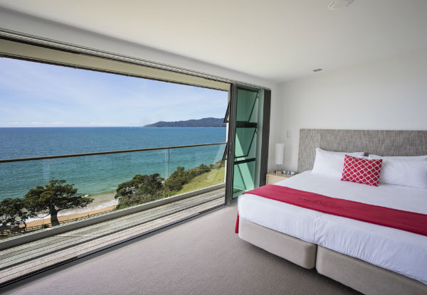 Cable Bay Luxury Waterfront Stay for Two People - Options for Studio Room or Villa & up to Four People