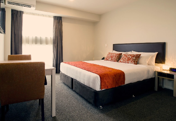 One-Night Christchurch CBD Stay in a Studio Apartment incl. WiFi & Parking - Option for Two Nights incl. F&B Voucher