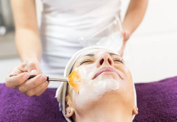 30-Minute Mini Facial at The Glow Room - Options for Brazilian & Eye Trio Available