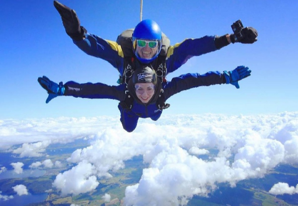 12,000ft Skydiving Experience incl. Return Transfer from Rotorua & Taupo, T-Shirt & $30 Credit - Options for 15,000ft, or 18,500ft