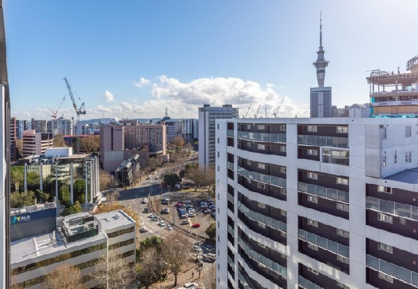 One-Night Auckland CBD Stay for Two People in a Single Studio Apartment with Balcony incl. Unlimited Wifi & Late Checkout - Option for Deluxe Studio Apartment with Balcony, or Penthouse Apartment with Balcony & to incl. Car Park