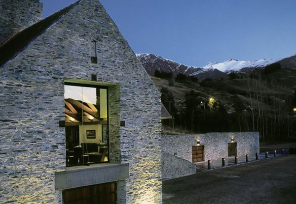 Full Day Ticket for the Hop On-Hop Off Wine Tour Between Queenstown & Gibbston Valley