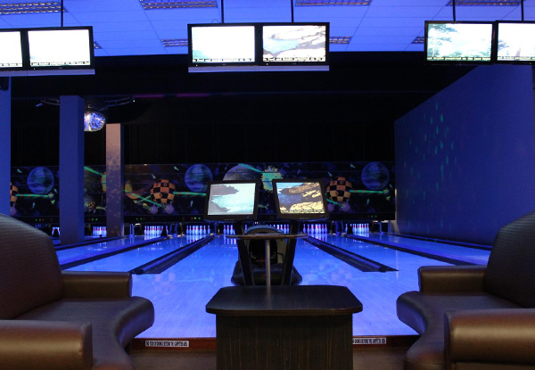 Four-Person Bowling Package incl. Mixed Platter to Share, Two Games Each & Four Drinks