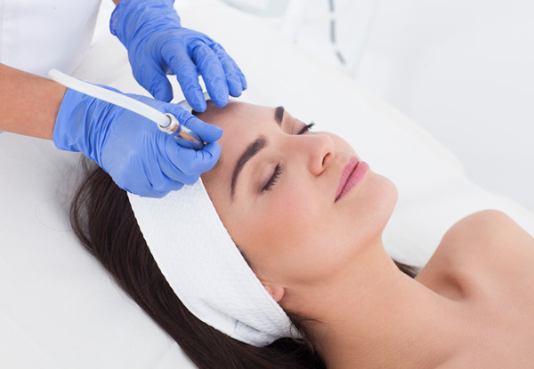 45-Minute Diamond Microdermabrasion Facial incl. Vitamin C Masque