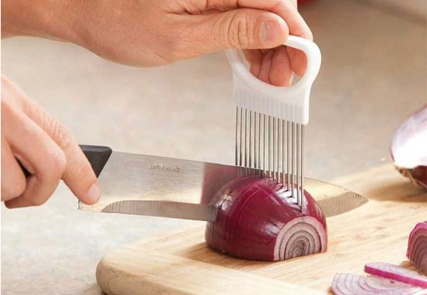 Onion-Slicing Guide Utensil