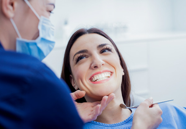 Full Oral Examination & Two X-Rays - Options to incl. a Scale & Polish & Single Surface Fillings