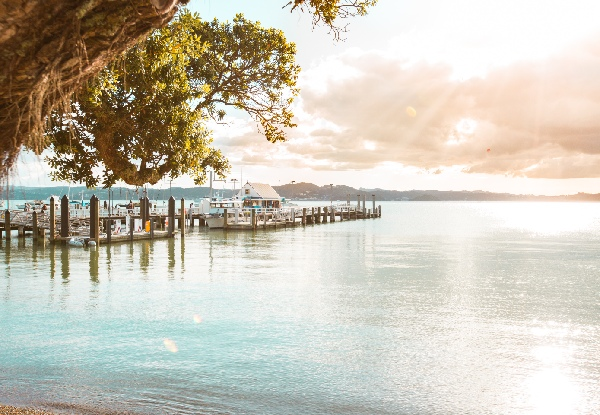 One-Night Stay for Two People in Russell incl. Full Buffet Breakfast & Bottle of Wine - Option for Two-Nights incl. Two-Course Dinner & Return Ferry Pass to Paihia