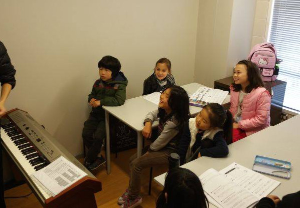10 Weekly Beginner Piano Group Lessons incl. Registration - Five Auckland Locations