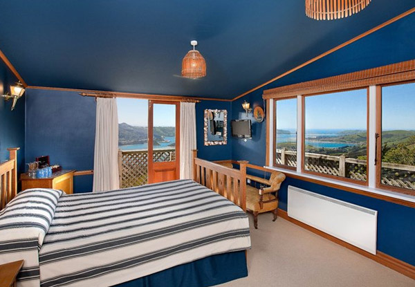 Unique One Night Dunedin Stay for Two in a Lodge Room incl. Breakfast, Dinner, Bottle of Bubbles on Arrivals, Late Checkout & Entry to Castle - Option for Two Nights